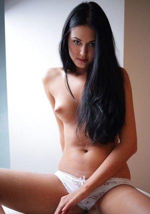 Nude Girls Pics